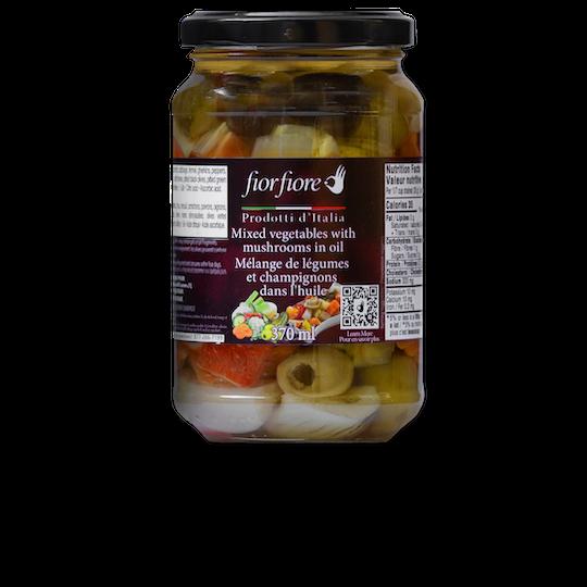 Mélange de légumes et champignons dans l'huile